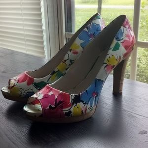 Woman's Nine West Heels EUC!